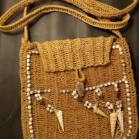 LOT 8: Tas Asmat terbuat dari pohon sagu