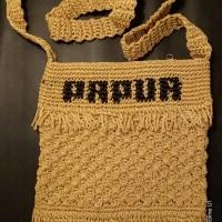 LOT 19 : Tas rajut Papua dengan bahan benang rajutan ukuran buku tulis