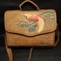LOT 21: Tas kulit kayu handmade 2 in 1. Bisa di selempang dan ditenteng