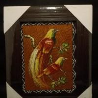 LOT 25: Lukisan kulit kayu bingkai kecil