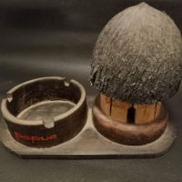 LOT 28: Asbak honai bahan terbuat dari kayu
