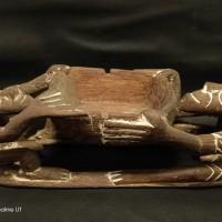 LOT 30: Asbak antik dari Asmat kampung basim bahan terbuat dari kayu besi