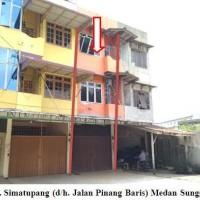 PT Bank Pan-2 (dua) bidang tanah berikut bangunan dijual dalam 1 paket, terletak di Jl Brig.jend.Katamso Gg Bakti No.12 dan Jl Pinang baris