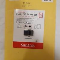 3. Lot 3 Rampasan KPK: 1 flashdisk, 9 HP berbagai jenis merk/type, dan 1 Laptop