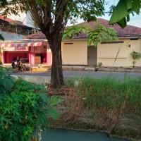 Sebidang tanah & bangunan SHM No. 639 (d/h SHGB No.617) luas 342 m2 terletak di Kel.Tandes Kidul, Kec.Tandes, Surabaya (PN Surabaya)