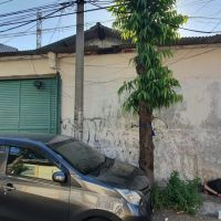 Sebidang tanah & bangunan SHGB No. 323 luas 200 m2 terletak di Kel. Gading, Kec. Tambaksari, Kota Surabaya (BRI Kaliasin)