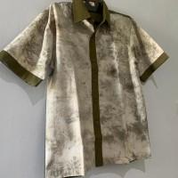 UMKM 9 : Kemeja Pria Ecoprint motif Daun Kenikir kombinasi Hijau uk. M di Kota Singkawang