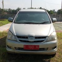 KPP Pbg: satu unit Toyota Innova E tahun 2007 Nopol R 9501 RC, berikut SS