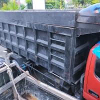 Kejari Kapuas: 1  unit   Mobil Dump Truck merk Toyota Dyna   130 HT No.   Pol   KH   8630 AF   Wama Merah, tanpa STNK dan BPKB (4)