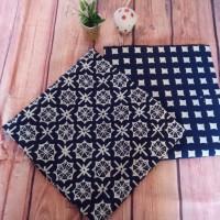 UMKM Batik Garutan (7) : 2 lembar kain batik cap RM Garutan warna Navy-putih
