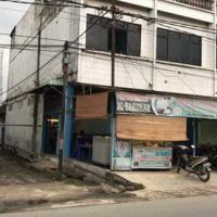 Harta Pailit-Tanah dan Bangunan yang terletak di jalan perniagaan no.32 a & b, Kelurahan Stabat Baru, Kecamatan Stabat, Kabupaten Langka