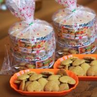 UMKM Lot 5 : Kue Tradisional (Bangke Berkah Paket II) isi 4 Toples di Kota Palopo