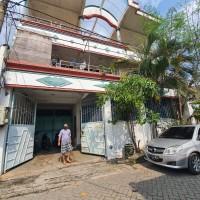 Sebidang tanah & bangunan SHM No. 3823 luas 175 m2 terletak di Kel. Gading, Kec. Tambaksari, Kota Surabaya (BRI Diponegoro)