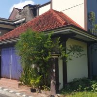 Sebidang tanah & bangunan SHM No. 2549 luas 363 m2 terletak di Kel. Latsari, Kec. Tuban, Kab. Tuban (BCA Kanwil III Sby)