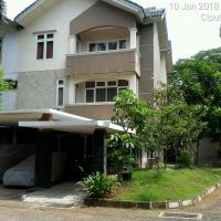 BRI Otista :  tanah berikut bangunan SHM No.04176/Cireundeu,luas  tanah 324 m2.