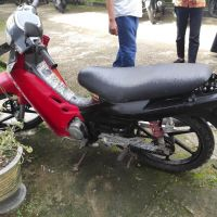 (Pemda Bone LOT 29) 1(satu) unit Motor Suzuki Smash, DW 4564 A, Merah, 2003, STNK&BKPB tidak ada, Rusak Berat di Kab. Bone