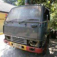 2 kendaraan bermotor kondisi rusak berat/ besi tua di Kabupaten Pasuruan