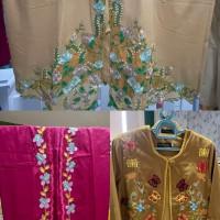 UMKM Iman (1) : Paket terdiri dari dua bahan kebaya dan satu blazer bordir