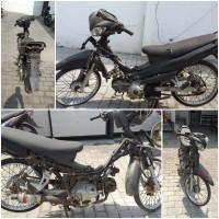 Kejari Kab. Probolinggo Lot 4) Sepeda motor merk Yamaha Jupiter keadaan protolan tidak ada nopol warna hitam tanpa STNK dan BPKB