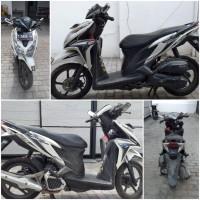 Kejari Kab.Probolinggo Lot 7a) Sepeda motor merk Honda Vario nopol N-3888-SH tahun 2014 warna putih silver beserta STNK tanpa BPKB