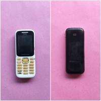 Kejari Kab.Probolinggo Lot 10) Hand Phone merk Samsung warna putih