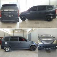 Kejari Kab.Probolinggo Lot 14) Mobil merk Toyota Avanza nopol W-1700-NA tahun 2009 warna abu-abu tanpa STNK maupun BPKB