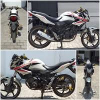 Kejari Kab.Probolinggo Lot 19) Sepeda motor merk Honda CB 150 nopol L-2438-SX tahun 2014 warna merah putih beserta STNK tanpa BPKB