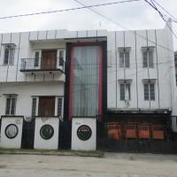 BRI Khusus: 2 tanah+  bangunan dijual satu paket  SHM No.223, luas 120 m2 dan  SHM No.224, luas 120 m2.