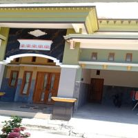 Sebidang tanah & bangunan SHM No. 00422 luas 235 m2 terletak di Desa Betoyo Guci, Kec. Manyar, Kab. Gresik (KSU Central Artha Niaga)