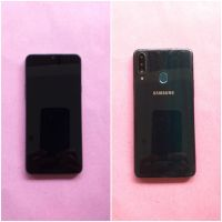 Kejari Kab.Probolinggo Lot 32) Hand Phone merk Vivo warna hitam