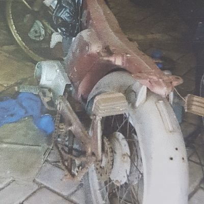 PPPPTK PKn dan IPS - Sepeda Motor Merk Yamaha L2 S, Tahun 1980, Nomor Polisi: N 2705 AP, Warna: Merah