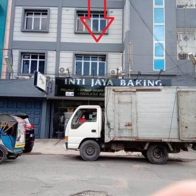 1 bidang tanah luas 144 m 2 berikut bangunan terletak di Jalan Dr. FL. Tobing Medan