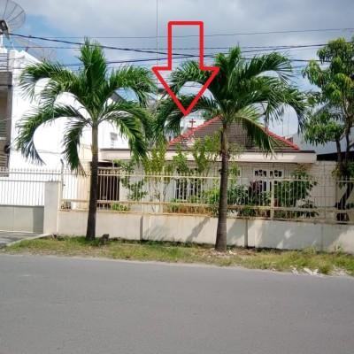 tanah luas 932 m 2 berikut bangunan terletak di Jalan Malaka no 92 Medan